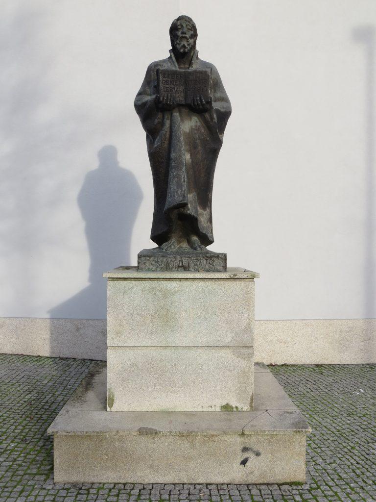 """Estátua de """"São Mateus"""".[Créditos da imagem: Ruben Marques. 2018-12-23.][Cedência: Ruben Marques. 2019-08-21]"""