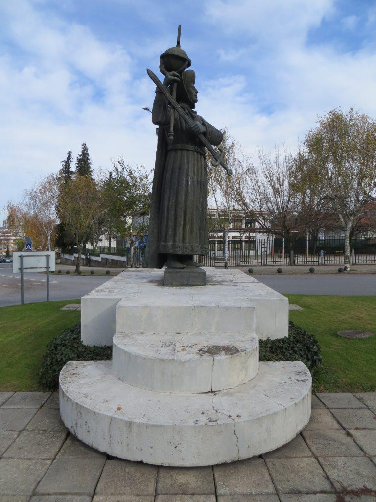 "Estátua do ""Infante D. Henrique"".[Créditos da imagem: Ruben Marques. 2018-12-24.]"