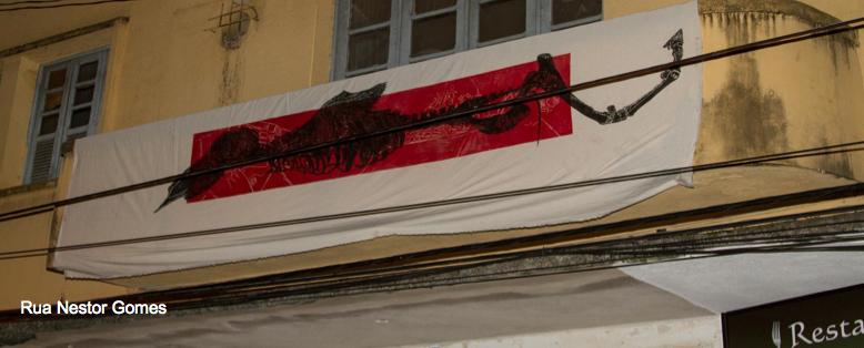 """""""Projecto Mutantes - rua Nestor Reis"""" (Mariana Reis, 2013).[Créditos da Imagem: Mariana Reis p/ Arte Pública Capixaba. 2013-10.]"""