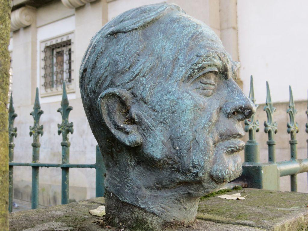 """Homenagem a """"Aquilino Ribeiro"""".[Créditos da imagem: Ruben Marques. 2018-12-23.]"""