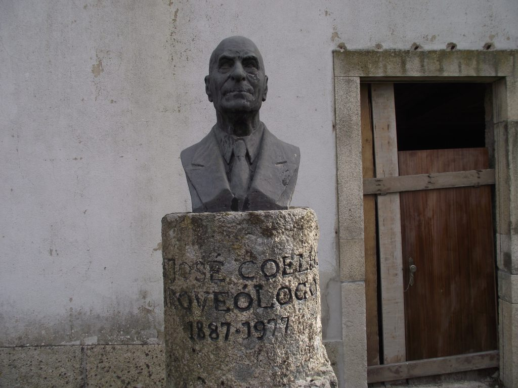 "Busto de ""José Coelho"".[Créditos da imagem: Ruben Marques. 2019-02-17.]"