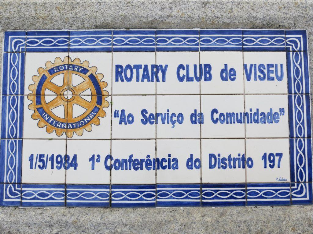 """""""Rotary Club de Viseu"""".[Créditos da imagem: Ruben Marques. 2019-10-15.]"""