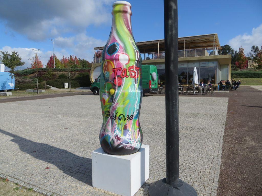 """""""Garrafa Coca-Cola"""".[Créditos da imagem: Ruben Marques. 2019-10-20.]"""