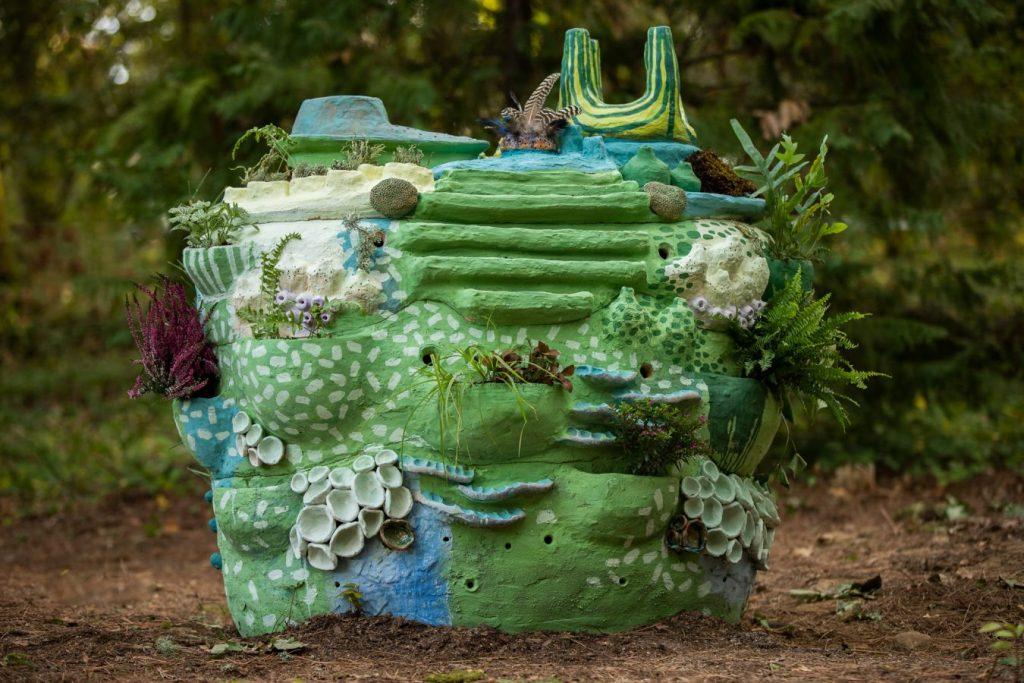 """Pedra Viva"" (Liliana Velho, 2019).[Créditos da Imagem: Luís Belo p/ POLDRA - Public Sculpture Project Viseu. 2019-10-12.][Cedência: POLDRA - Public Sculpture Project Viseu. 2019-11-13]"