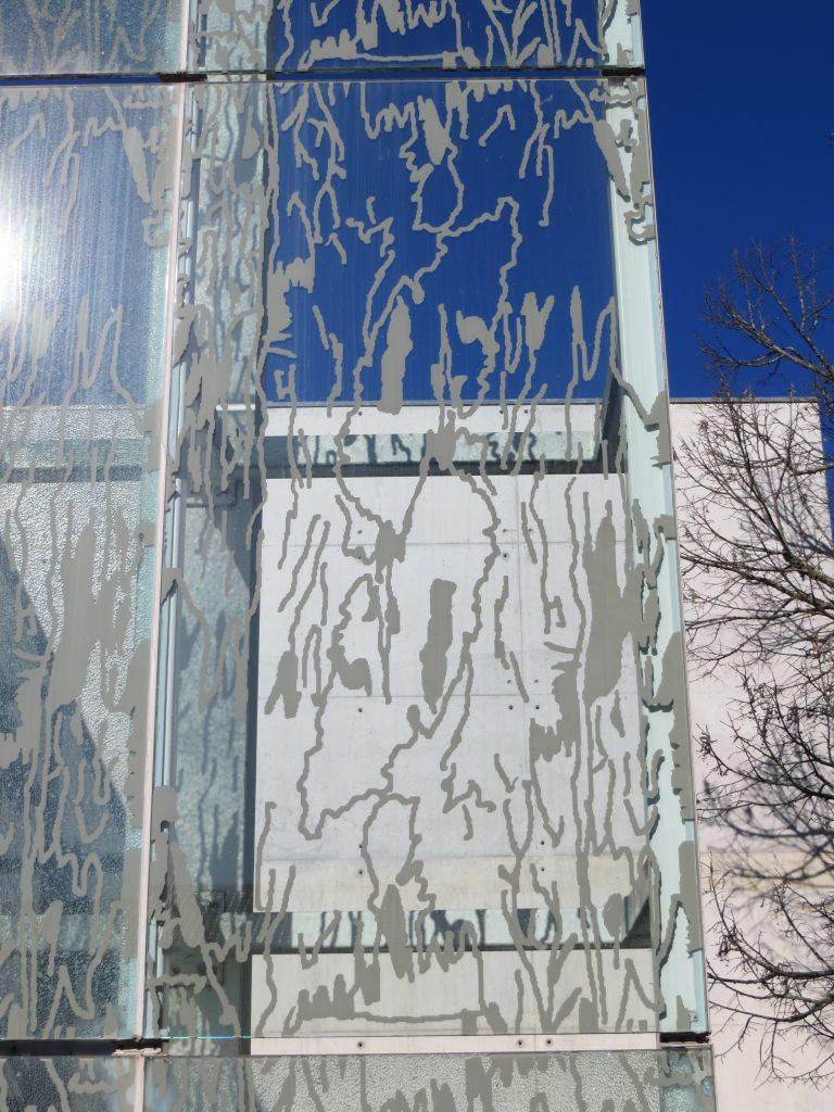 """Public School Wall"".[Créditos da imagem: Ruben Marques. 2020-02-24.]"